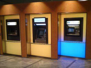 Leuchtkästen für Bankautomaten mit RGB-LEDs
