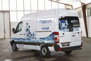 Fahrzeugbeschriftung mit Digitaldrucken und Folien