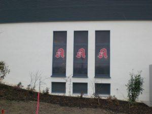Fensterbeschriftung als Sichtschutz mit Digitaldruck